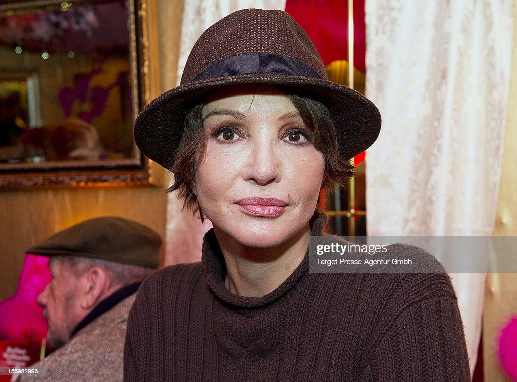 Actress <a gi-track='captionPersonalityLinkClicked' href=/galleries/search?phrase=Anouschka+Renzi&family=editorial&specificpeople=608827 ng-click='$event.stopPropagation()'>Anouschka Renzi</a> attends the 'Kartoffelpuffer-Brat-Charity' at the Berlin Christmas Market on November 26, 2012 in Berlin, Germany.