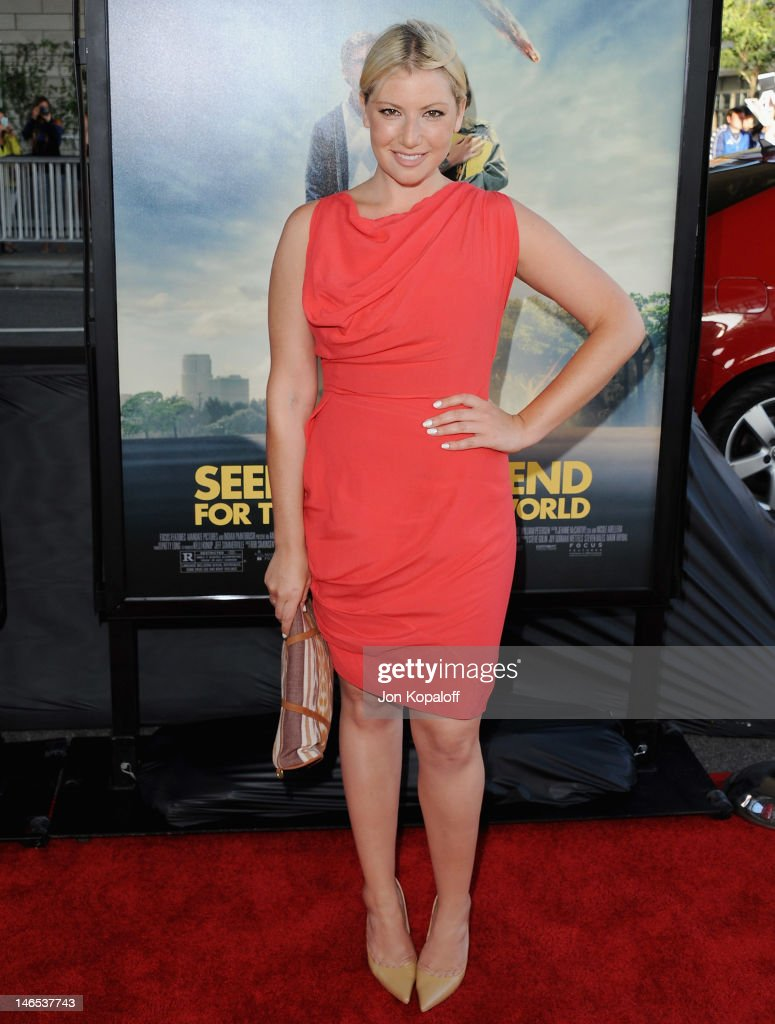 Actress Ari Graynor arrives at the 2012 Los Angeles Film Festival - 'Seeking A Friend For The End Of The World' at Regal Cinemas L.A. Live on June 18, 2012 in Los Angeles, California.