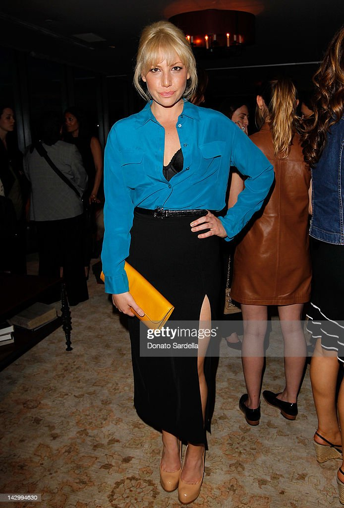 Actress <a gi-track='captionPersonalityLinkClicked' href=/galleries/search?phrase=Ari+Graynor&family=editorial&specificpeople=653300 ng-click='$event.stopPropagation()'>Ari Graynor</a> attends a celebration for Glamour's new book 'Thirty Things Every Woman Should Have and Should Know by the Time She's 30' with Cindi Leive and Rachel Zoe on April 16, 2012 in West Hollywood, California.