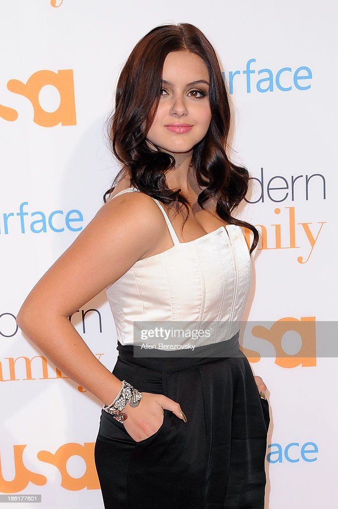 Actress <a gi-track='captionPersonalityLinkClicked' href=/galleries/search?phrase=Ariel+Winter&family=editorial&specificpeople=715954 ng-click='$event.stopPropagation()'>Ariel Winter</a> arrives at the 'Modern Family' Fan Appreciation Day hosted by USA Network at Westwood Village on October 28, 2013 in Los Angeles, California.