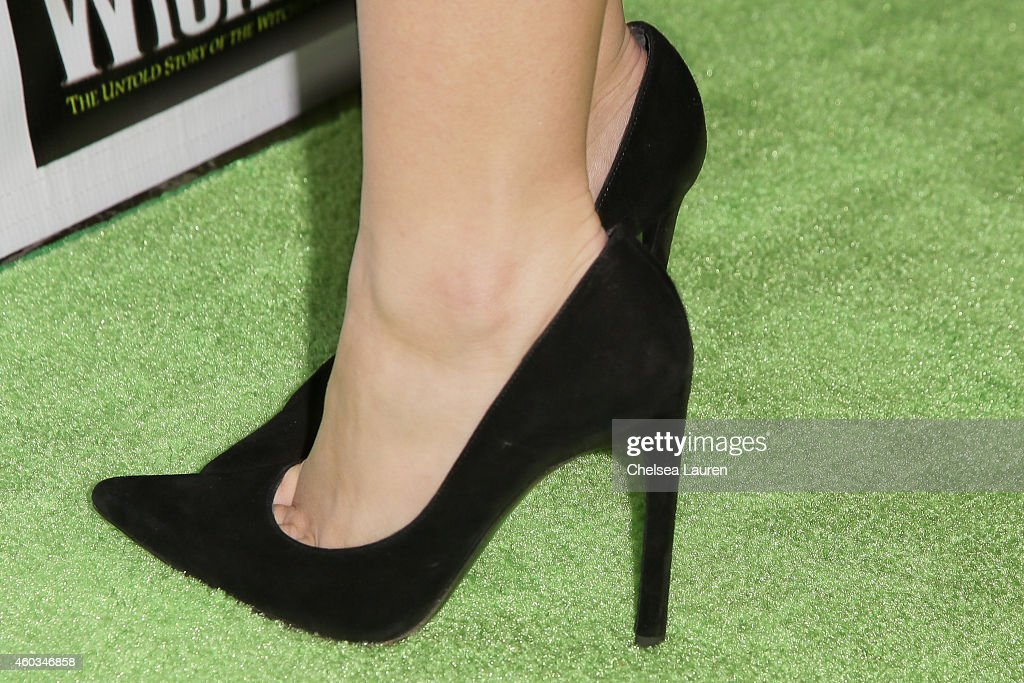 Actress Ariel Winter arrives at the opening night green carpet of 'WICKED' at the Pantages Theatre on December 11 2014 in Hollywood California