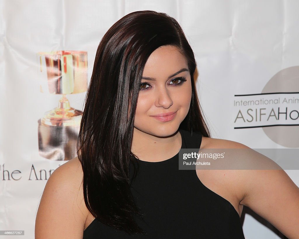 Actress <a gi-track='captionPersonalityLinkClicked' href=/galleries/search?phrase=Ariel+Winter&family=editorial&specificpeople=715954 ng-click='$event.stopPropagation()'>Ariel Winter</a> attends the 41st annual Annie Awards at Royce Hall, UCLA on February 1, 2014 in Westwood, California.