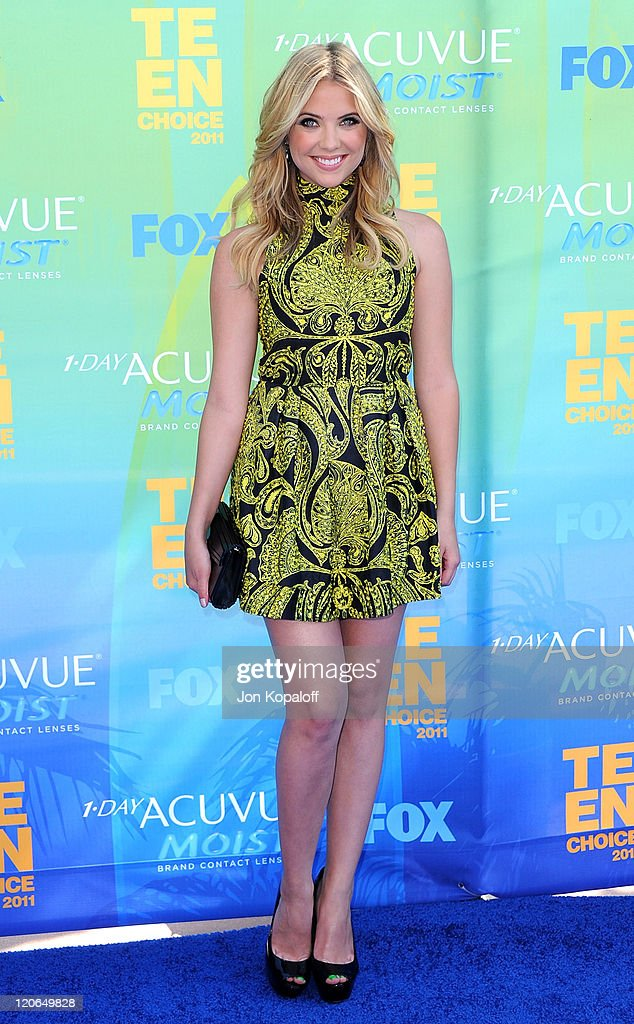 Actress Ashley Benson arrives at the 2011 Teen Choice Awards held at Gibson Amphitheatre on August 7, 2011 in Universal City, California.