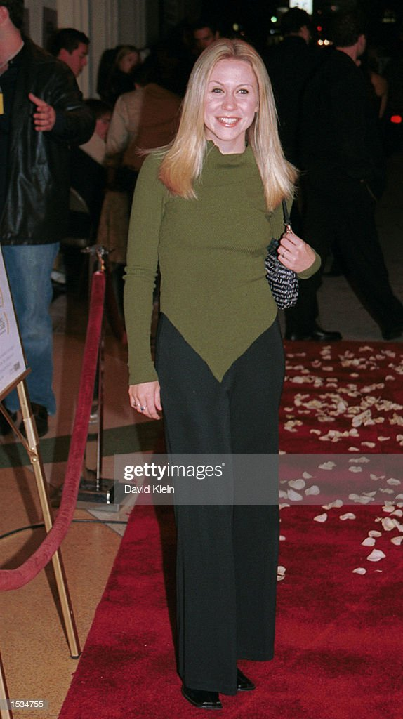 Actress Ashley Drane arrives at the premiere of 'Kiss the Bride' at the Showcase Regent Theatre October 23, 2002 in Los Angeles, California.