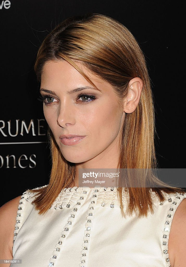 Actress <a gi-track='captionPersonalityLinkClicked' href=/galleries/search?phrase=Ashley+Greene&family=editorial&specificpeople=781552 ng-click='$event.stopPropagation()'>Ashley Greene</a> arrives at the Los Angeles premiere of 'The Mortal Instruments: City Of Bones' at ArcLight Cinemas Cinerama Dome on August 12, 2013 in Hollywood, California.
