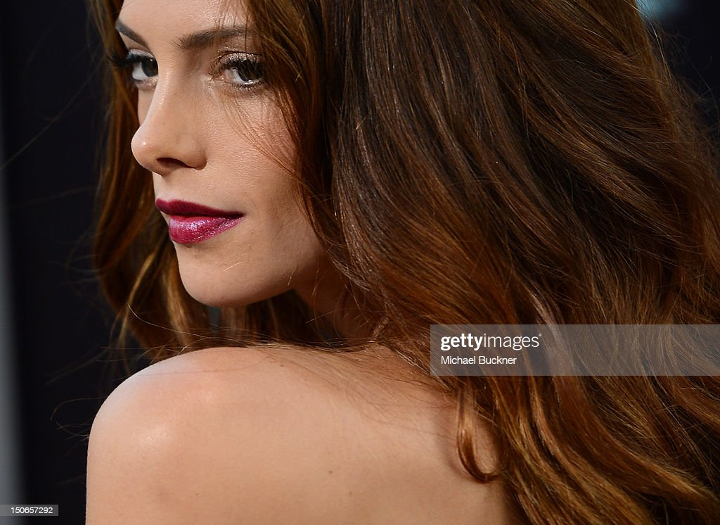 Actress <a gi-track='captionPersonalityLinkClicked' href=/galleries/search?phrase=Ashley+Greene&family=editorial&specificpeople=781552 ng-click='$event.stopPropagation()'>Ashley Greene</a> arrives to the premiere of Warner Bros. Pictures' 'The Apparition' at Grauman's Chinese Theatre on August 23, 2012 in Hollywood, California.
