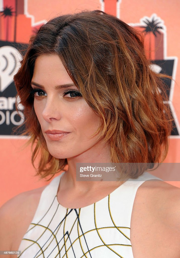 Actress <a gi-track='captionPersonalityLinkClicked' href=/galleries/search?phrase=Ashley+Greene&family=editorial&specificpeople=781552 ng-click='$event.stopPropagation()'>Ashley Greene</a> attends the 2014 iHeartRadio Music Awards held at The Shrine Auditorium on May 1, 2014 in Los Angeles, California.