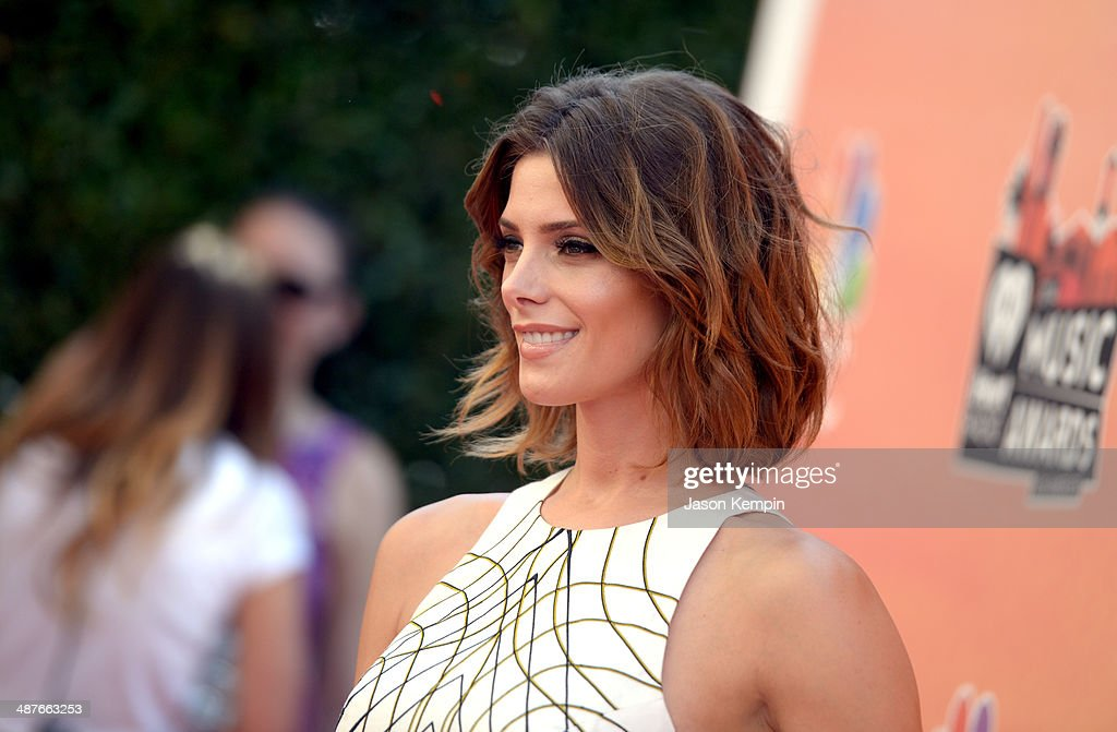 Actress <a gi-track='captionPersonalityLinkClicked' href=/galleries/search?phrase=Ashley+Greene&family=editorial&specificpeople=781552 ng-click='$event.stopPropagation()'>Ashley Greene</a> attends the 2014 iHeartRadio Music Awards held at The Shrine Auditorium on May 1, 2014 in Los Angeles, California. iHeartRadio Music Awards are being broadcast live on NBC.