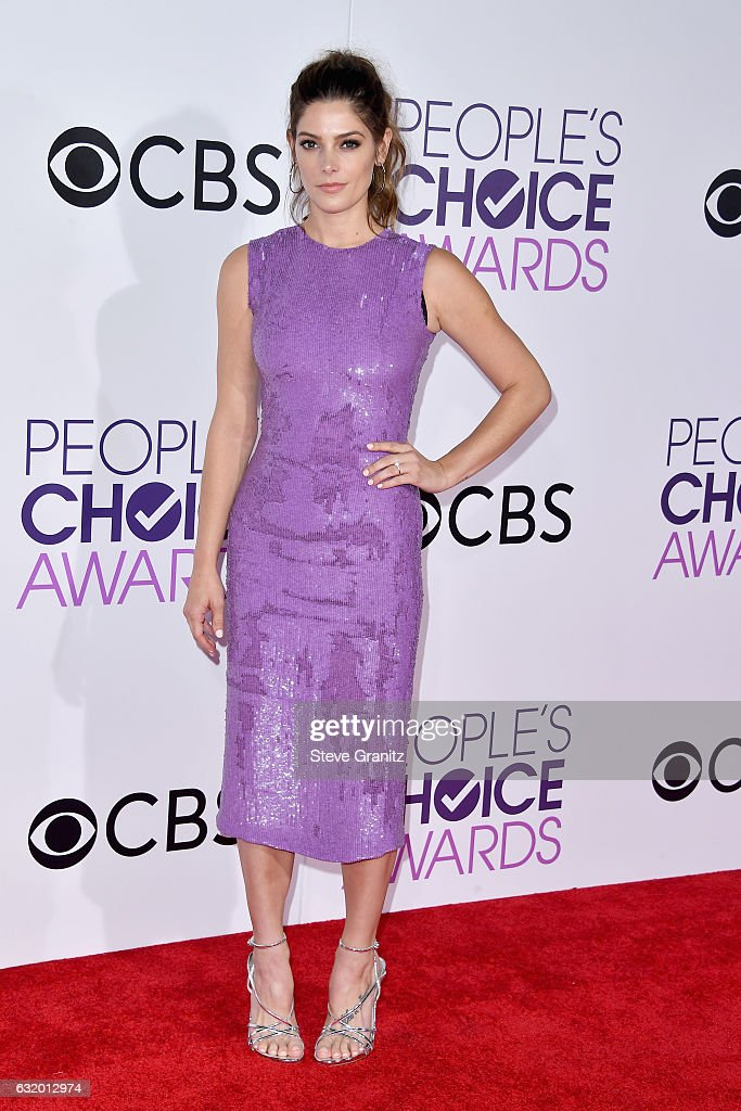 actress-ashley-greene-attends-the-peoples-choice-awards-2017-at-on-picture-id632012974