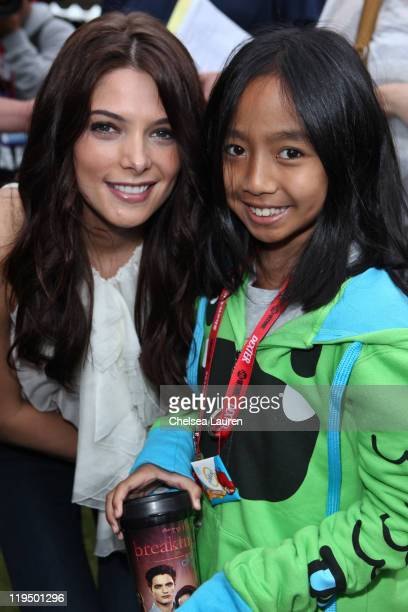 Actress Ashley Greene surprises 'Twilight' fans at the break of dawn during 2011 ComicCon International Day 1 at San Diego Convention Center on July...