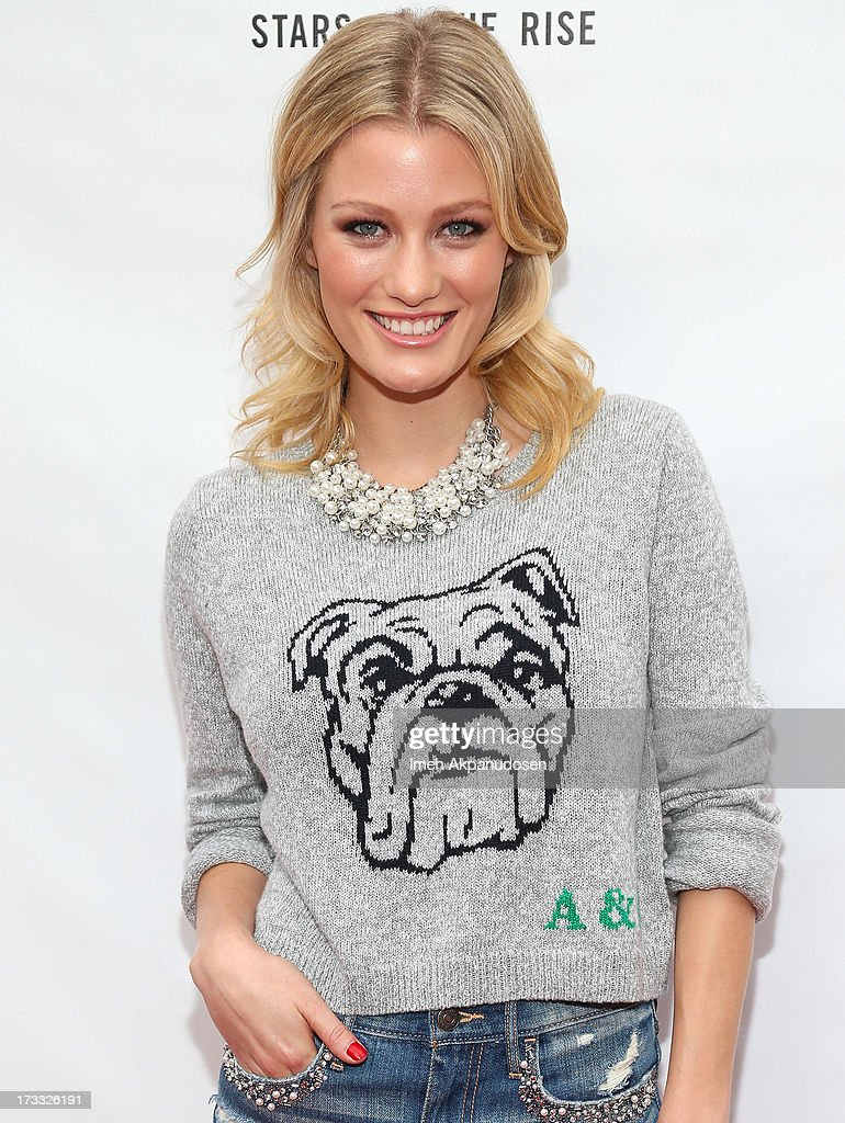 Actress <a gi-track='captionPersonalityLinkClicked' href=/galleries/search?phrase=Ashley+Hinshaw&family=editorial&specificpeople=7175518 ng-click='$event.stopPropagation()'>Ashley Hinshaw</a> attends Abercrombie & Fitch's presentation of their 2013 Stars on the Rise at The Grove on July 11, 2013 in Los Angeles, California.