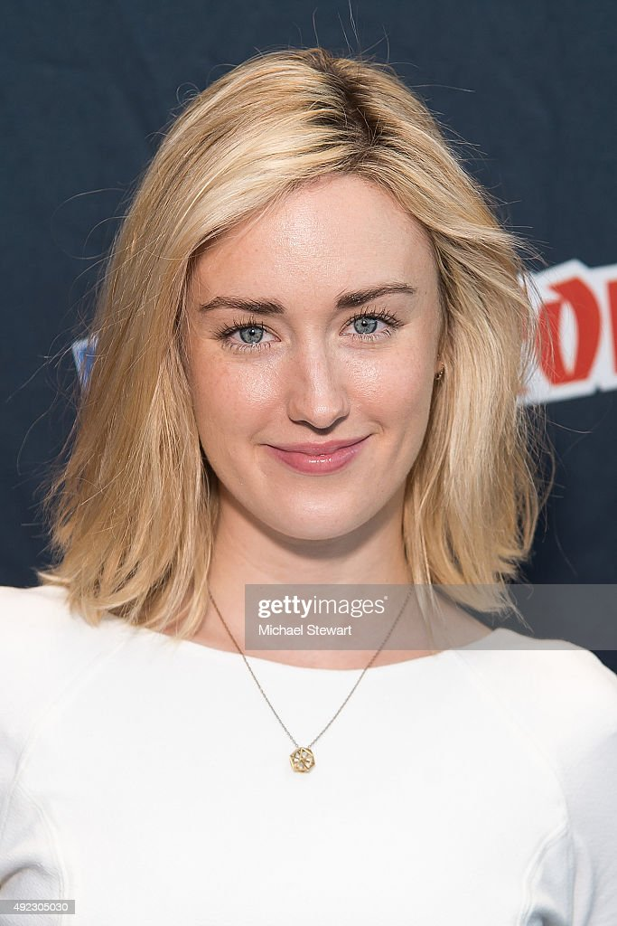 Ashley Johnson naked (44 foto and video), Tits, Cleavage, Selfie, cleavage 2015
