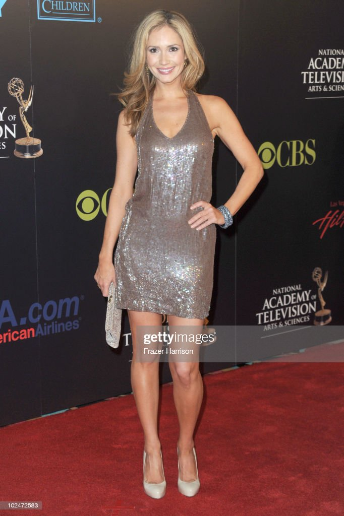 Actress <a gi-track='captionPersonalityLinkClicked' href=/galleries/search?phrase=Ashley+Jones&family=editorial&specificpeople=226927 ng-click='$event.stopPropagation()'>Ashley Jones</a> arrives at the 37th Annual Daytime Entertainment Emmy Awards held at the Las Vegas Hilton on June 27, 2010 in Las Vegas, Nevada.