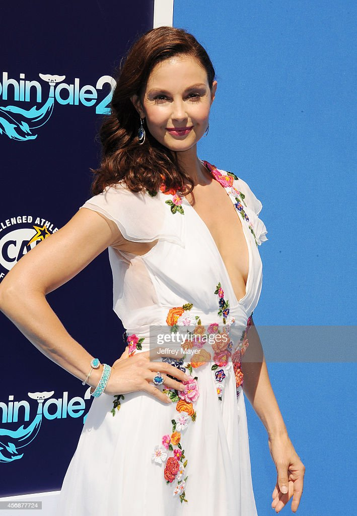 Actress Ashley Judd arrives at the Los Angeles premiere of 'Dolphin Tale 2' at Regency Village Theatre on September 7, 2014 in Westwood, California.