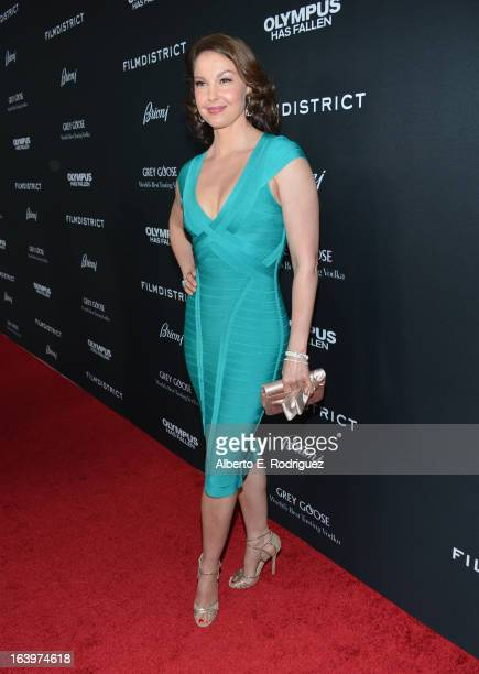 Actress Ashley Judd arrives at the premiere of FilmDistrict's 'Olympus Has Fallen' at ArcLight Cinemas Cinerama Dome on March 18 2013 in Hollywood...