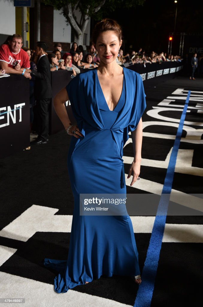 Actress <a gi-track='captionPersonalityLinkClicked' href=/galleries/search?phrase=Ashley+Judd&family=editorial&specificpeople=171188 ng-click='$event.stopPropagation()'>Ashley Judd</a> arrives at the premiere of Summit Entertainment's 'Divergent' at the Regency Bruin Theatre on March 18, 2014 in Los Angeles, California.