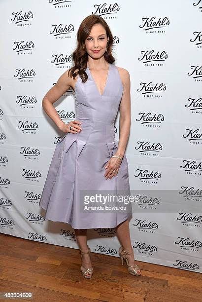 Actress Ashley Judd arrives at the Recycle Across America benefit event at the Kiehl's Since 1851 Santa Monica Store on April 7 2014 in Santa Monica...