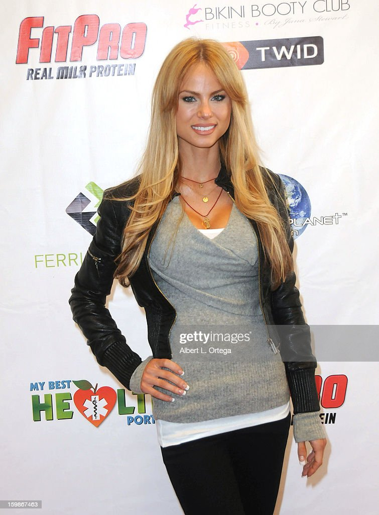 Actress Ashley Thomas participates in the Red Carpet Health Expo held at The Vitamin Shoppe on January 12, 2013 in Los Angeles, California.