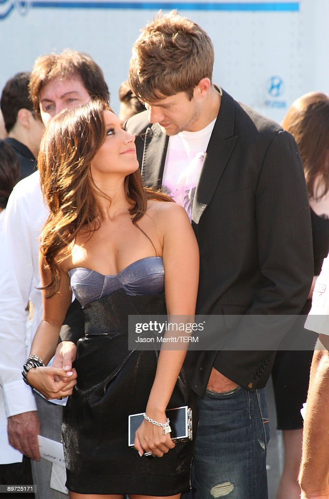 Actress Ashley Tisdale and boyfriend Jared Murillo arrive at the 2009 Teen Choice Awards held at Gibson Amphitheatre on August 9, 2009 in Universal City, California.