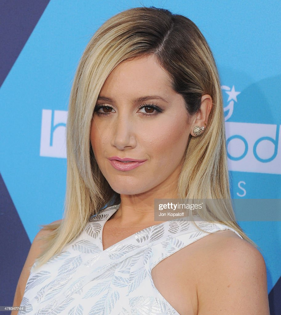 Actress <a gi-track='captionPersonalityLinkClicked' href=/galleries/search?phrase=Ashley+Tisdale&family=editorial&specificpeople=213972 ng-click='$event.stopPropagation()'>Ashley Tisdale</a> arrives at the 16th Annual Young Hollywood Awards at The Wiltern on July 27, 2014 in Los Angeles, California.