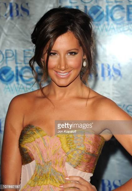 Actress Ashley Tisdale arrives at the 2011 People's Choice Awards at Nokia Theatre LA Live on January 5 2011 in Los Angeles California