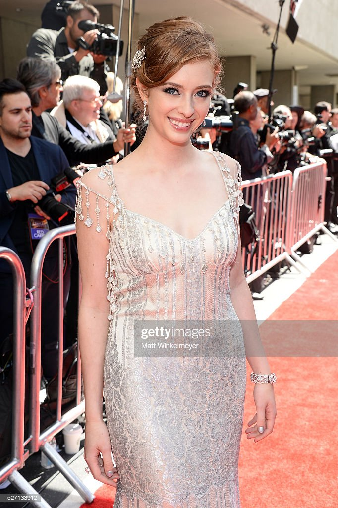 Actress <a gi-track='captionPersonalityLinkClicked' href=/galleries/search?phrase=Ashlyn+Pearce&family=editorial&specificpeople=11286778 ng-click='$event.stopPropagation()'>Ashlyn Pearce</a> arrives at the 43rd Annual Daytime Emmy Awards at the Westin Bonaventure Hotel on May 1, 2016 in Los Angeles, California.