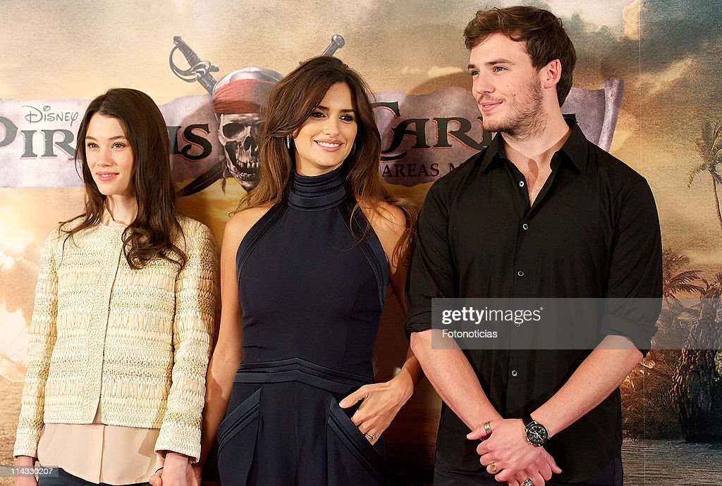 Actress Astrid-Berges Frisbey, actress Penelope Cruz and actor Sam Claflin attend 'Pirates Of The Caribbean: On Stranger Tides' photocall at the Villamagna Hotel on May 18, 2011 in Madrid, Spain.