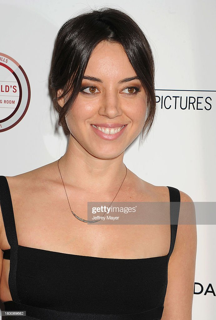 Actress <a gi-track='captionPersonalityLinkClicked' href=/galleries/search?phrase=Aubrey+Plaza&family=editorial&specificpeople=5299268 ng-click='$event.stopPropagation()'>Aubrey Plaza</a> arrives at the Los Angeles premiere of 'Kill Your Darlings' at the Writers Guild Theater on October 3, 2013 in Beverly Hills, California.BEVERLY HILLS, CA- OCTOBER 03: Actress <a gi-track='captionPersonalityLinkClicked' href=/galleries/search?phrase=Aubrey+Plaza&family=editorial&specificpeople=5299268 ng-click='$event.stopPropagation()'>Aubrey Plaza</a> arrives at the Los Angeles premiere of 'Kill Your Darlings' at the Writers Guild Theater on October 3, 2013 in Beverly Hills, California.