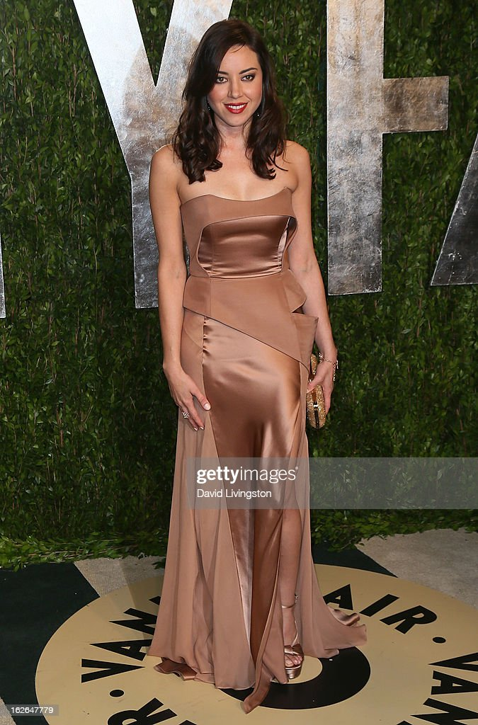 Actress <a gi-track='captionPersonalityLinkClicked' href=/galleries/search?phrase=Aubrey+Plaza&family=editorial&specificpeople=5299268 ng-click='$event.stopPropagation()'>Aubrey Plaza</a> attends the 2013 Vanity Fair Oscar Party at the Sunset Tower Hotel on February 24, 2013 in West Hollywood, California.
