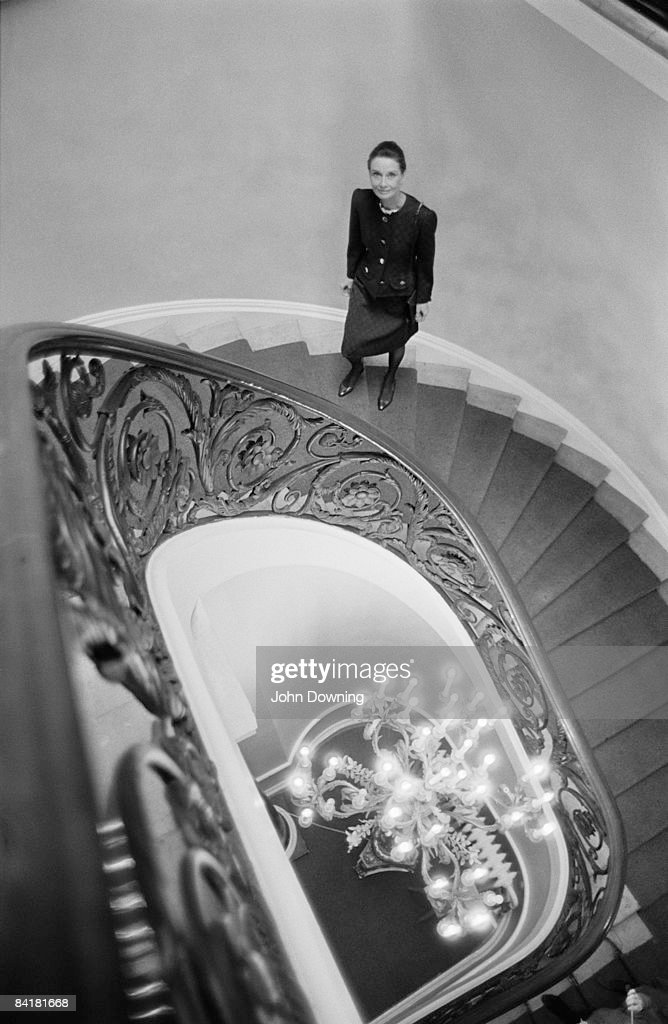Actress <a gi-track='captionPersonalityLinkClicked' href=/galleries/search?phrase=Audrey+Hepburn&family=editorial&specificpeople=86470 ng-click='$event.stopPropagation()'>Audrey Hepburn</a> (1929 - 1993) stands on a spiral staircase, March 1988.