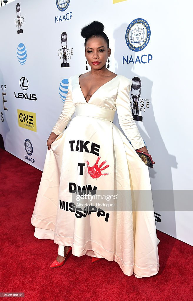 Actress <a gi-track='captionPersonalityLinkClicked' href=/galleries/search?phrase=Aunjanue+Ellis&family=editorial&specificpeople=1196287 ng-click='$event.stopPropagation()'>Aunjanue Ellis</a> attends the 47th NAACP Image Awards presented by TV One at Pasadena Civic Auditorium on February 5, 2016 in Pasadena, California.