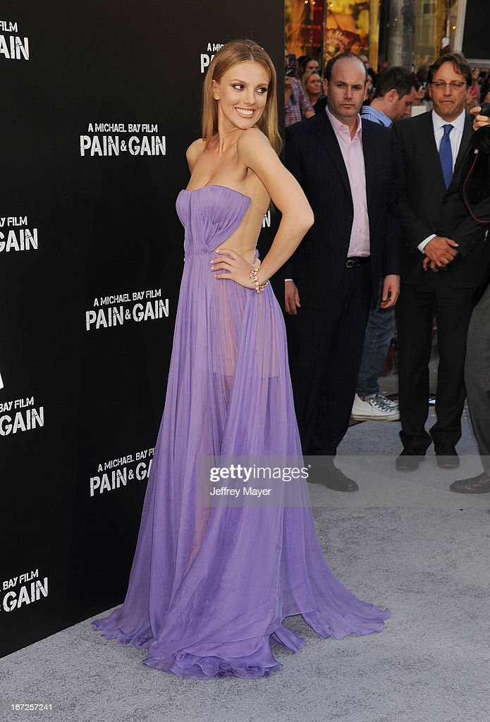 Actress Bar Paly attends the 'Pain & Gain' premiere held at TCL Chinese Theatre on April 22, 2013 in Hollywood, California.