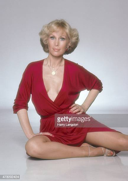 Actress Barbara Eden poses for a portrait in 1980 in Los Angeles California
