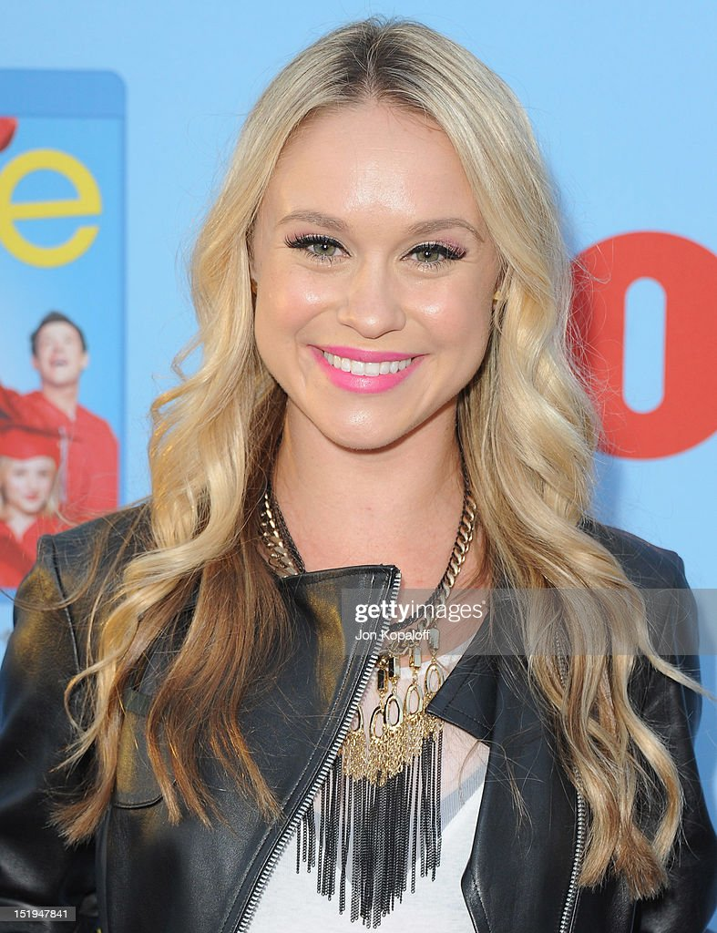 Actress Becca Tobin arrives at the 'Glee' Premiere at Paramount Studios on September 12, 2012 in Los Angeles, California.