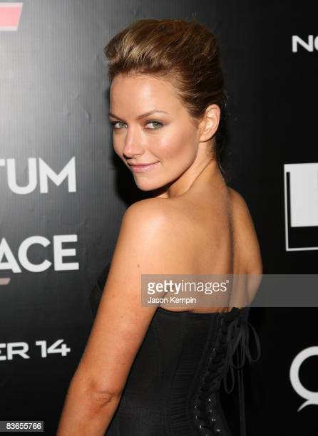 Actress Becki Newton attends the 2008 Tribeca Film Institute Fall Benefit screening of 'Quantum of Solace' at the AMC Lincoln Square theatre on...