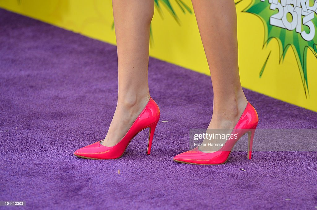 Actress Bella Thorne (shoe detail) arrives at Nickelodeon's 26th Annual Kids' Choice Awards at USC Galen Center on March 23, 2013 in Los Angeles, California.