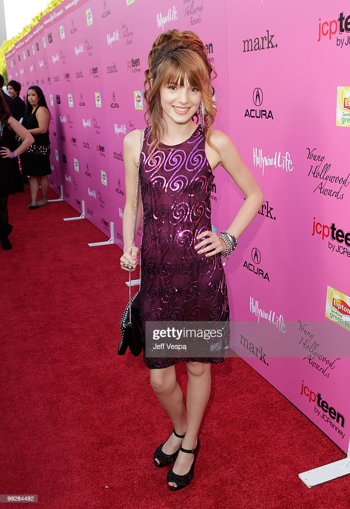 Actress <a gi-track='captionPersonalityLinkClicked' href=/galleries/search?phrase=Bella+Thorne&family=editorial&specificpeople=5083663 ng-click='$event.stopPropagation()'>Bella Thorne</a> arrives at the 12th annual Young Hollywood Awards sponsored by JC Penney , Mark. & Lipton Sparkling Green Tea held at the Ebell of Los Angeles on May 13, 2010 in Los Angeles, California.