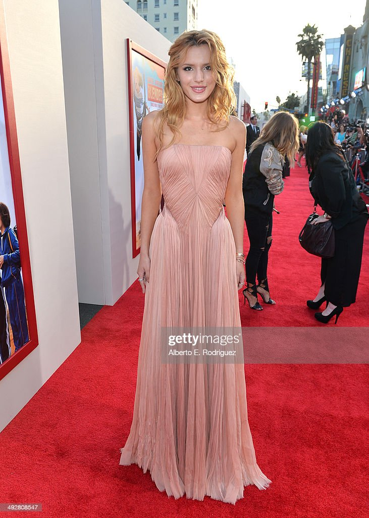 Actress <a gi-track='captionPersonalityLinkClicked' href=/galleries/search?phrase=Bella+Thorne&family=editorial&specificpeople=5083663 ng-click='$event.stopPropagation()'>Bella Thorne</a> attends the Los Angeles premiere of 'Blended' at TCL Chinese Theatre on May 21, 2014 in Hollywood, California.