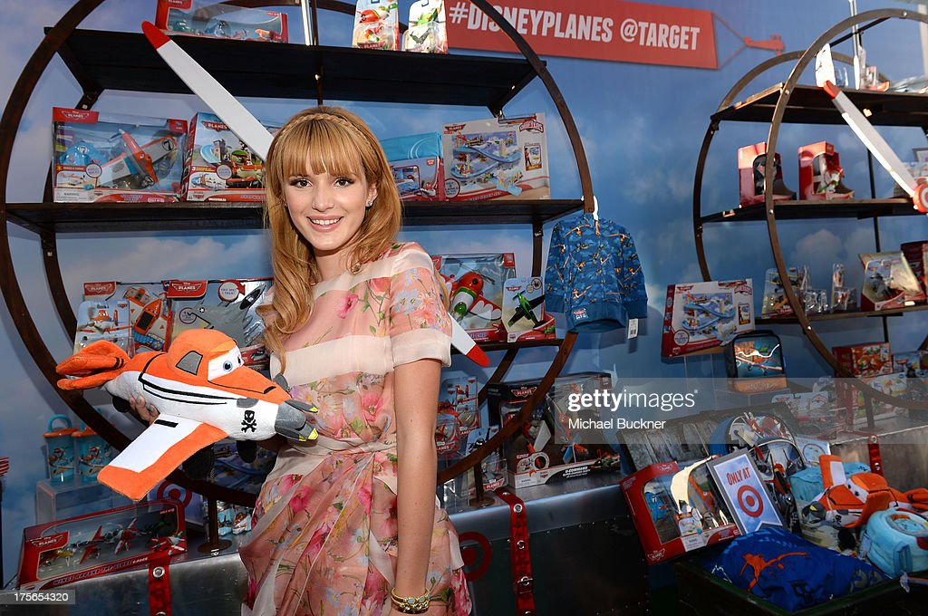"Actress <a gi-track='captionPersonalityLinkClicked' href=/galleries/search?phrase=Bella+Thorne&family=editorial&specificpeople=5083663 ng-click='$event.stopPropagation()'>Bella Thorne</a> attends the world-premiere of ""Disney's Planes"" presented by Target at the El Capitan Theatre on August 5, 2013 in Hollywood, California."