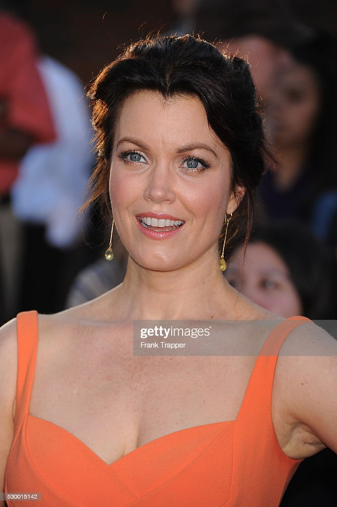 Bellamy Young Nude Photos 6