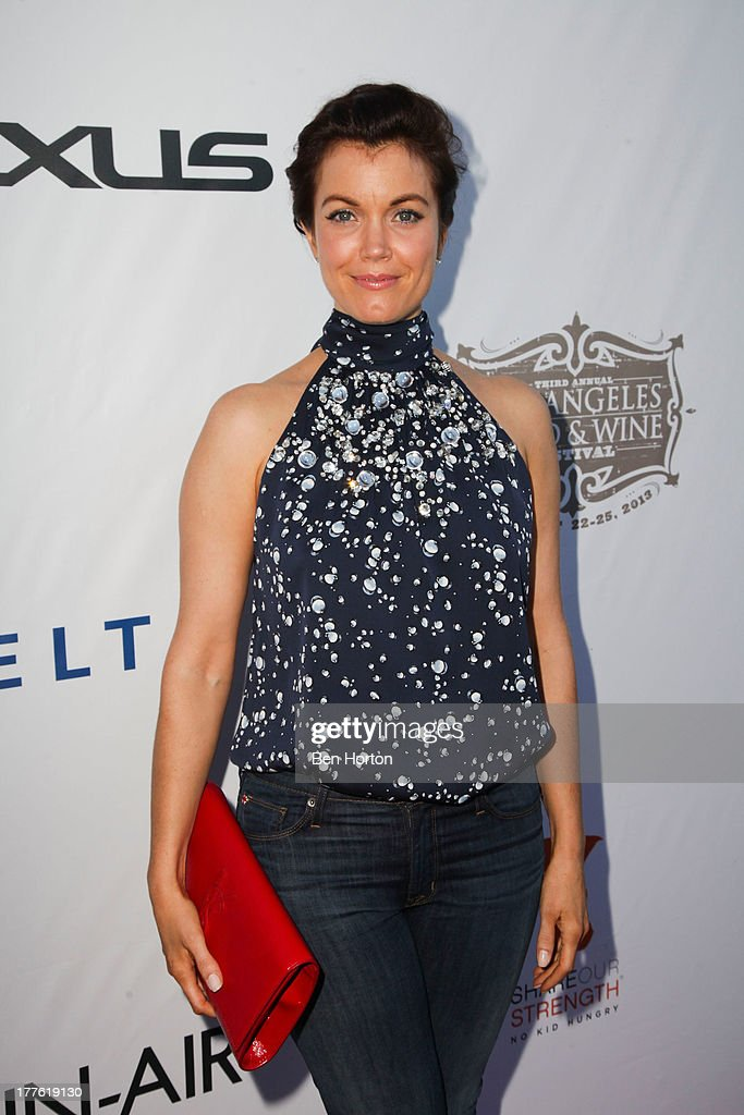 Actress <a gi-track='captionPersonalityLinkClicked' href=/galleries/search?phrase=Bellamy+Young&family=editorial&specificpeople=4135230 ng-click='$event.stopPropagation()'>Bellamy Young</a> attends LEXUS Live on Grand hosted by Curtis Stone at the third annual Los Angeles Food & Wine Festival on August 24, 2013 in Los Angeles, California.