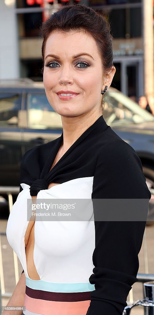 Actress Bellamy Young attends the Premiere of New Line Cinema's and Metro-Goldwyn-Mayer Pictures' 'If I Stay' at the TCL Chinese Theatre on August 20, 2014 in Hollywood, California.