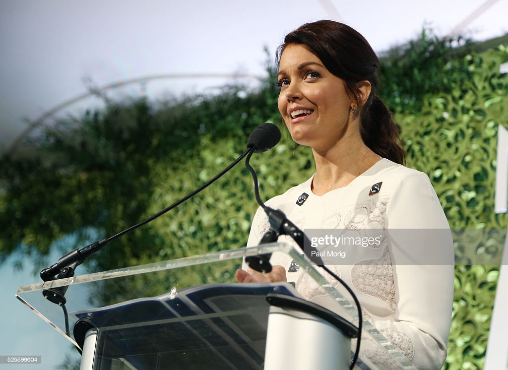 Actress <a gi-track='captionPersonalityLinkClicked' href=/galleries/search?phrase=Bellamy+Young&family=editorial&specificpeople=4135230 ng-click='$event.stopPropagation()'>Bellamy Young</a> speaks at the Trust for the National Mall's Ninth Annual Benefit Luncheon in West Potomac Park on April 28, 2016 in Washington, DC.