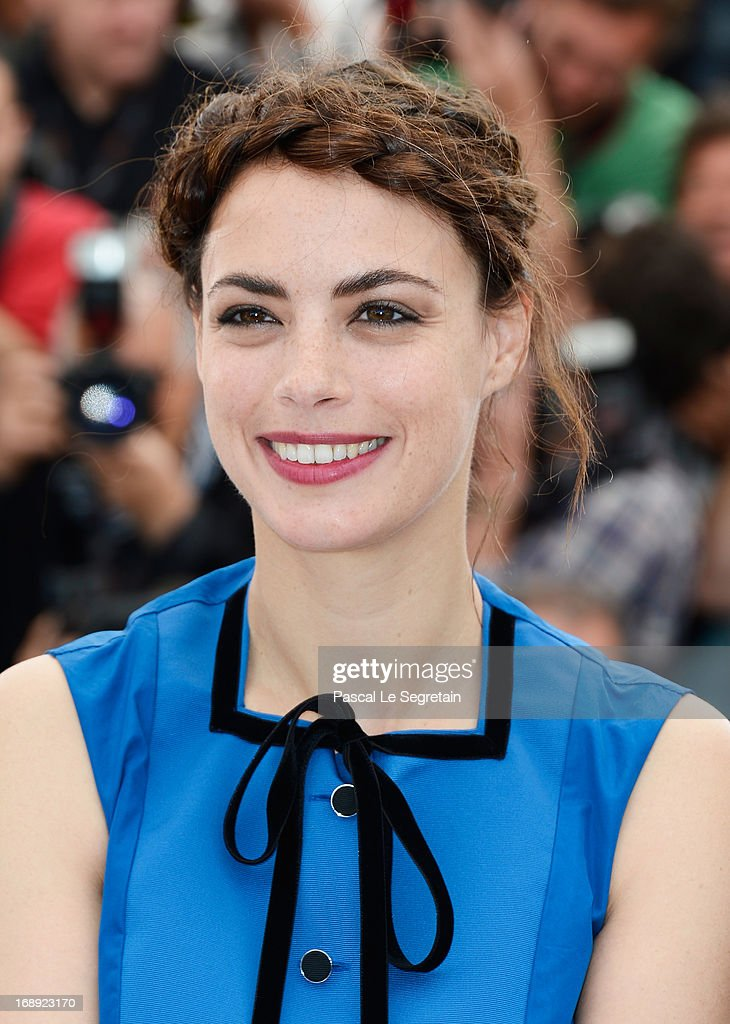 Actress Berenice Bejo attends 'Le Passe' photocall during the 66th Annual Cannes Film Festival at the Palais des Festivals on May 17, 2013 in Cannes, France.