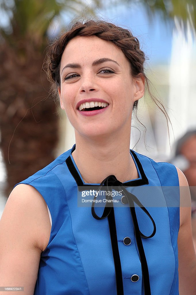 Actress Berenice Bejo attends the photocall for 'Le Passe' (The Past) during the 66th Annual Cannes Film Festival at Palais des Festivals on May 17, 2013 in Cannes, France.