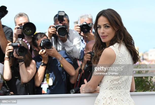 Actress Berenice Bejo attends the 'Redoutable ' photocall during the 70th annual Cannes Film Festival at Palais des Festivals on May 21 2017 in...