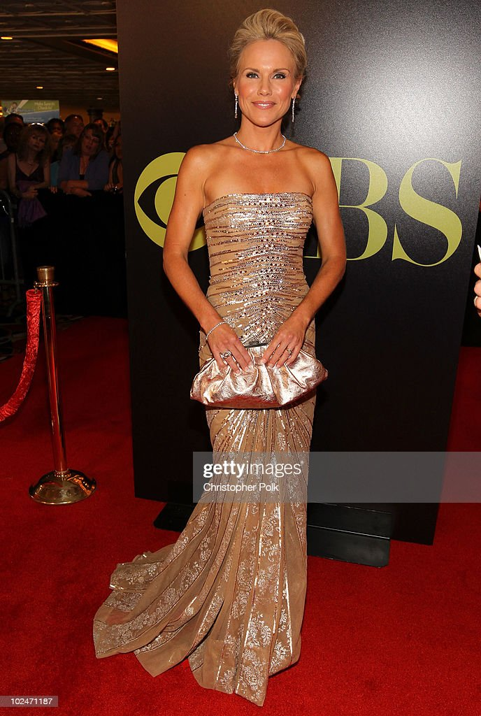 Actress Beth Chamberlin arrives at the 37th Annual Daytime Entertainment Emmy Awards held at the Las Vegas Hilton on June 27, 2010 in Las Vegas, Nevada.