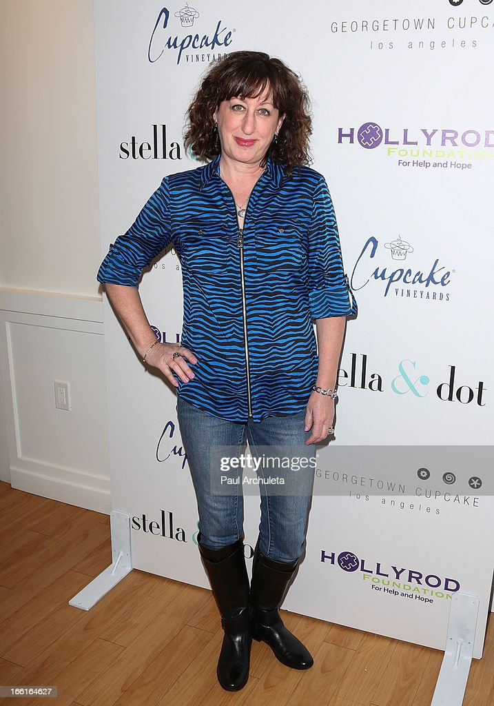 Actress Beth Hall attends the Stella & Dot VIP Trunk Show benefiting The HollyRod Foundation at Georgetown Cupcake Los Angeles on April 8, 2013 in Los Angeles, California.