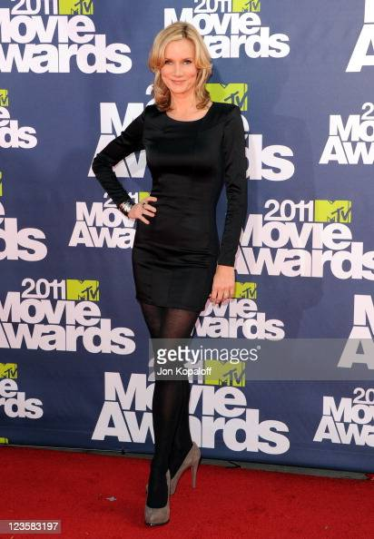 Actress Beth Littleford arrives at the 2011 MTV Movie Awards at Gibson Amphitheatre on June 5 2011 in Universal City California