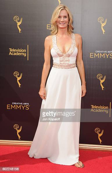 Actress Beth Littleford arrives at the 2016 Creative Arts Emmy Awards at Microsoft Theater on September 10 2016 in Los Angeles California